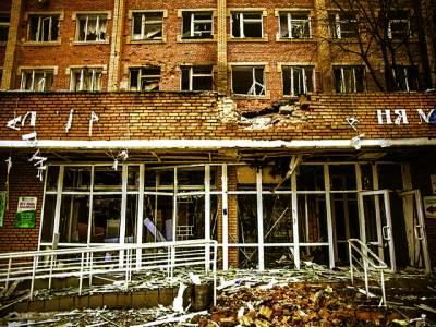 کیف: روسی حامیوں کی فائرنگ سے تباہ شدہ ہسپتال کا بیرونی منظر