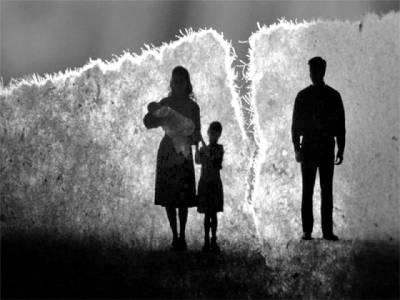 سوشل میڈیا طلاق کی بڑی وجوہات میں سے بڑی وجہ قرار