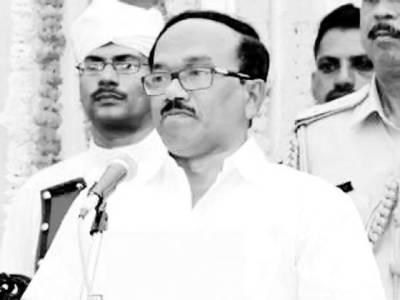 نر سیں احتجاج ختم کر دیں'دھوپ میں رنگ کالا ہو جائے گا 'بھارتی وزیر اعلیٰ کی اپیل