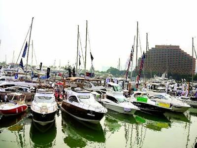 ہانگ کانگ: عالمی نمائش میں مختلف ممالک کی کشتیاں لوگوں کی توجہ کیلئے رکھی گئی ہیں' اس نمائش میں ستر سے زائد ممالک نے شرکت کی ہے