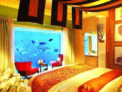 دبئی میں پانی کے اندر منفرد ہوٹل ، ایک رات کا کرایہ 8200ڈالر