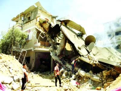 غزہ: اسرائیلی فوج کی گولہ باری سے تباہی کا منظر