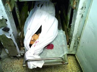غزہ: اسرائیلی فوج کی فائرنگ سے شہید ہونے والے چودہ سالہ بچے کی نعش ہسپتال میں پڑی ہوئی ہے