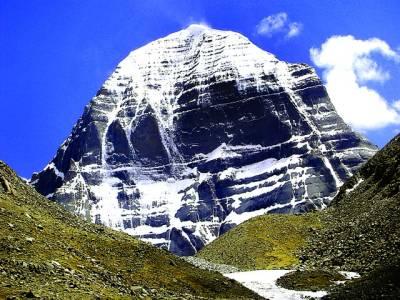 ماؤنٹ کیلاش نامی پہاڑ جسے آج تک اسے کسی بھی کوہ پیما نے سر نہیں کیا