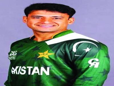 یاسر عرفات 400 لسٹ اے وکٹیں مکمل کرنیوالے پاکستان کے 7ویں باؤلر بن گئے