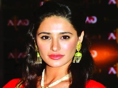 کامیابی حاصل کرنے کا کوئی شارٹ کٹ نہیں، اداکارہ نرگس فخری