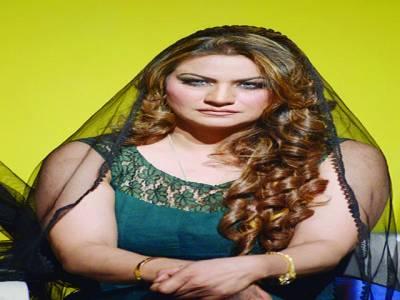 صائمہ خان کی سٹیج ڈرامہ ''حسن حاضر ہے ''میں شاندار پر فارمنس