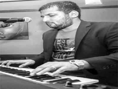 زبیر الیاس اپنے نئے گانے کی ریکارڈنگ کیلئے پاکستان پہنچ گئے