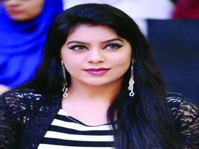 فلم سٹار میگھا نے عید کے نئے اسٹیج ڈرامہ کیلئے 2لاکھ روپے سے زائد مالیت کے ملبوسات پہنیں گی'ذرائع