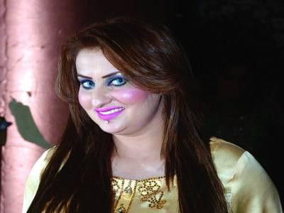 اداکارہ آفرین خان کی الفلاح تھیٹر میں زبردست پرفارمنس