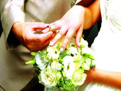 دوستوں کو تصاویر بھیجنے پرشادی کے دو گھنٹے بعد ہی شوہرنے دلہن کو طلاق دیدی