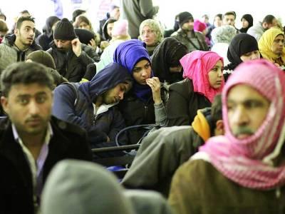 بیروت: شامی باشندے اقوام متحدہ کی جانب سے لگائے گئے کیمپ میں موجود ہیں