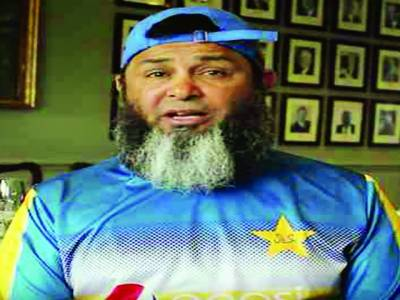 مشتاق احمد کا ٹیسٹ سیریز میں شاداب ،یاسر شاہ کی شمولیت کا اشارہ