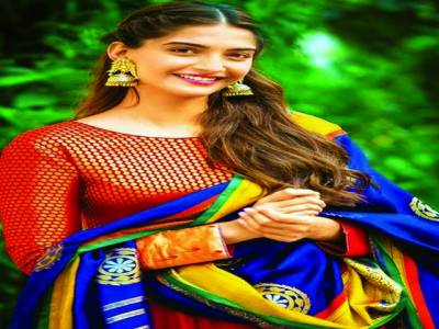 بھارت کے نامور اداکاروں کی مسلمانوں کو عید پر مبارکباد