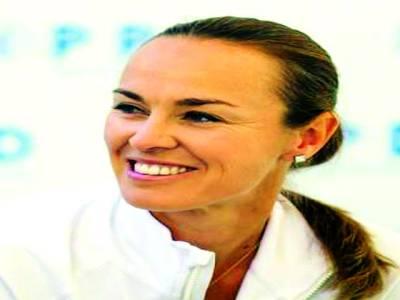 مارٹینا ہنگس نے ایسٹ بورن ویمنز ڈبلز کا ٹائٹل جیت لیا