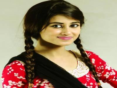 پاکستانی فنکاروں کو بیرون ملک بہت عزت ملتی ہے،سجل علی