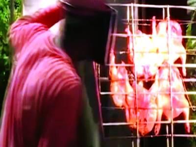 وہ واحد آدمی جو آگ کی بجائے شیشے سے روزانہ ڈھیروں مرغیاں پکا تا ہے