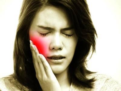 سبز چائے کے ذریعے حساس دانتوں کا علاج
