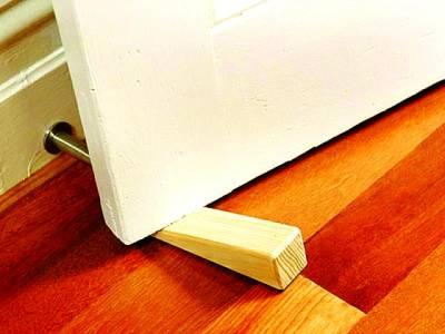 لکڑی کا ایسا چھوٹا سا ٹکڑا جو آپ کو بہت بڑے حادثے سے بچا سکتا