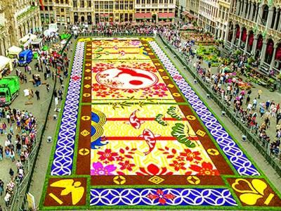 2سال کی محنت سے تیار رنگا رنگ پھولوں سے بنا قالین