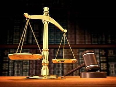 ٗٗعدلیہ کے ساتھ وکلاء اور سیاستدانوں کے برتاؤکا فرق!