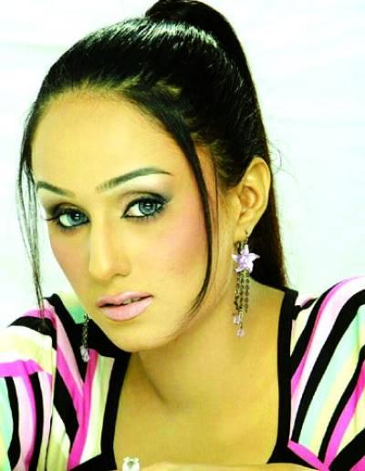 ٹی وی کی طرح سلورسکرین پر بھی مختلف کردار کرنا پسند کروں گی ،مایا سونو خان