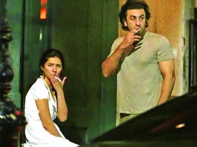 ماہرہ خان اوررنبیرکپورکی سگریٹ پیتے تصاویر سوشل میڈیا پر وائرل