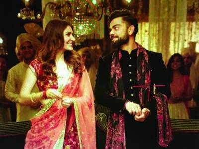 انوشکا شرما اور کرکٹر ویرات کوہلی کے اشتہارکی سوشل میڈیاپر دھوم