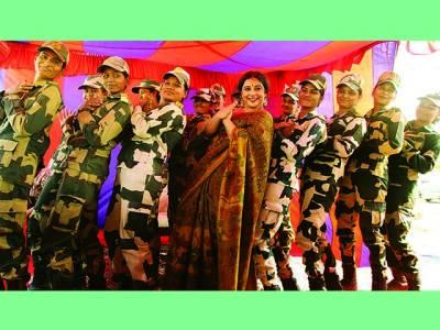 ودیا بالن فلم کی تشہیر کیلئے پاک بھارت سرحد پر بھی پہنچ گئیں