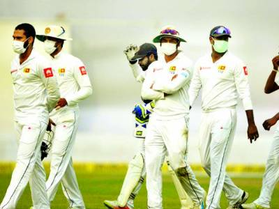 بھارت میں سری لنکن کھلاڑیوں نے ماسک پہن کر میچ کھیلا