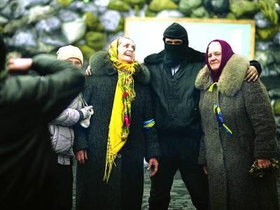کیو: اپوزیشن رہنماویتالی کلٹس چکواپنے خاندان کے ہمراہ تصویر بنوا رہے ہیں