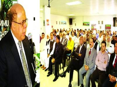 جوہانسبرگ: جنوبی افریقہ میں پاکستانی ہائی کمشنر ڈاکٹر سہیل احمد خان یو م یکجہتی کشمیر کی تقریب سے خطاب کر رہے ہیں