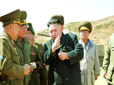 پیانگ یانگ: شمالی کورین رہنما کم جان آن فوجیوں سے بریفنگ لے رہے ہیں