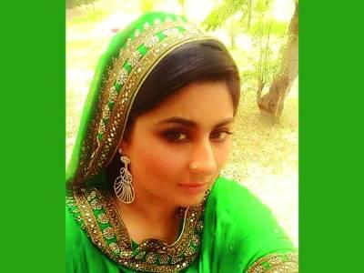 گلوکارہ صومیہ خان نئی آڈیو البم کی تیاریوں میں