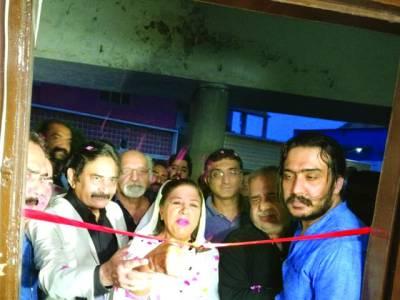 پرویز رانا کے بیٹوں نے ایور نیو سٹوڈیوز میں فلمی آفس کھول لیا