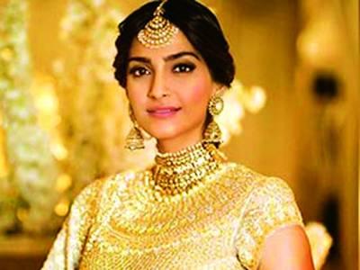 بھارتی اداکارہ سونم کپور نے پاکستان سے محبت کا دعویٰ کردیا