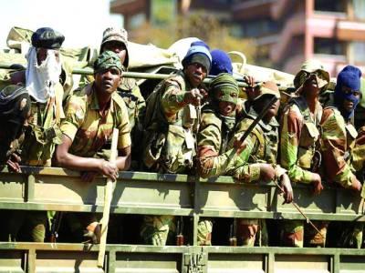 ہدارے: زمبابوے میں اپوزیشن کی طرف سے احتجاج سے نمٹنے کے لئے فوجی ٹرک میں بیٹھ کر جارہے ہیں