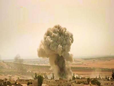 ادلب: شام کے شہر ادلب میں بمباری کے بعد دھواں اٹھتا ہوا نظر آرہا ہے