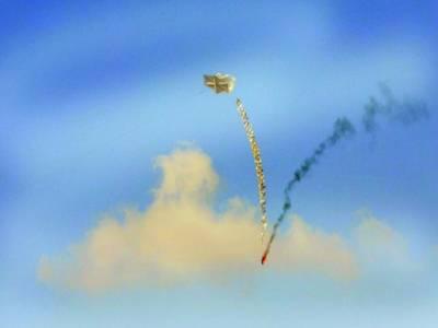 غزہ: اسرائیلی تنصبات کو تباہ کرنے کے لئے جلتا ہوا ٹائر غباروں کے ذریعے بھیجا جارہا ہے