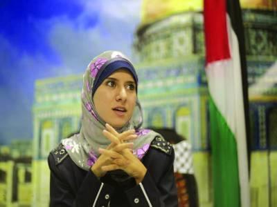 غزہ: حماس کی رہنما آئیسرہ المودلال میڈیا کو بریفنگ دے رہی ہیں