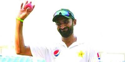 بلال آصف پہلے ٹیسٹ میں 5 وکٹیں لینے والے 11ویں پاکستانی بولربن گئے