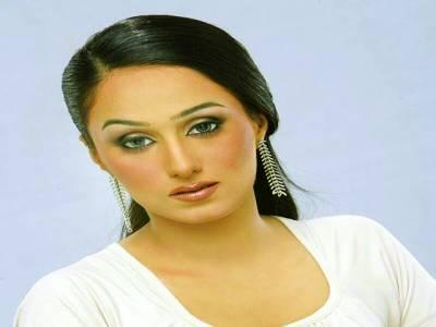 میرا انڈسٹری میں کسی اداکارہ سے مقابلہ نہیں:مایا سونو خان