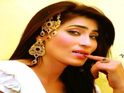 تھیٹر کی معروف اداکارہ نادیہ چوہدری کو طلاق ہوگئی
