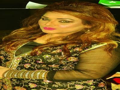 نادیہ علی کی ملتان میں جاری سٹیج ڈرامہ میں شاندارپرفارمنس