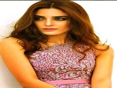 مایا علی کوماہرہ خان کی نقل کرنے پر سوشل میڈیا پر تنقید کاسامنا