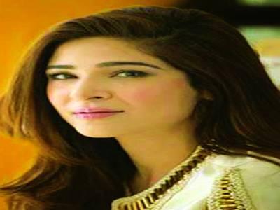 اداکارہ عائشہ عمر کل 39ویں سالگرہ کراچی میں منائیں گی