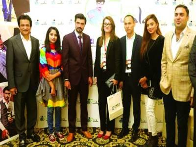 برطانوی بزنس مین کے تعاون سے ارشد چائے والے کے کیفے کا افتتاح