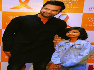 جنید خان کا انڈس اسپتال کا دورہ' مریض بچوں کے ساتھ تقریب میں شرکت