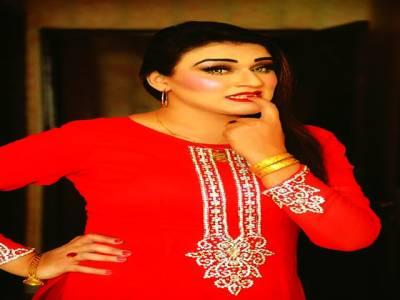 اداکارہ تابندہ علی ٹریفک حادثے میں بال بال بچ گئیں